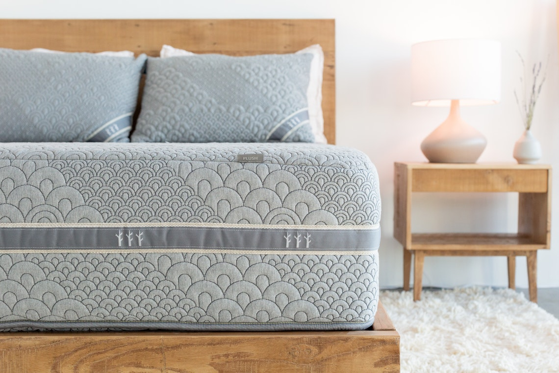 Crystal Cove mattress side view